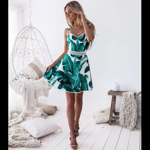 NWT Two Sisters The Label Fiano Leaf Print Dress 6